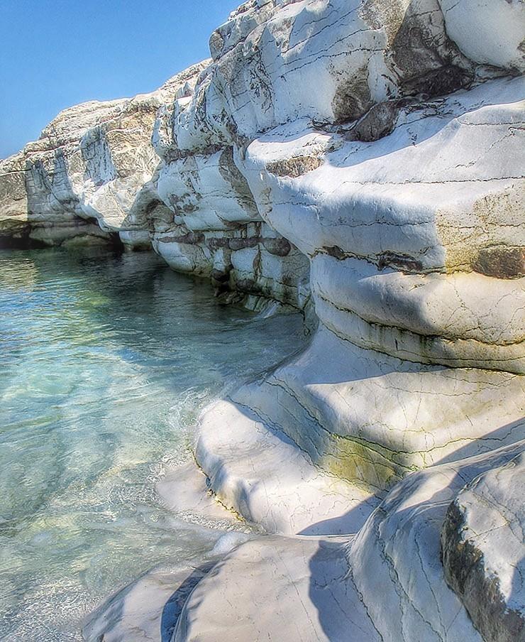 продемонстрировала пляж белые скалы абхазия фото популярные фотографии
